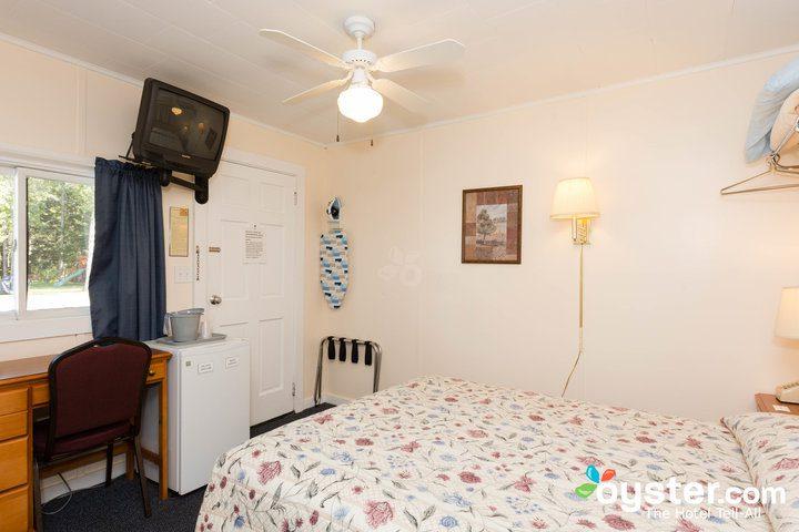 standard-1-queen-bedroom--v14598781-720