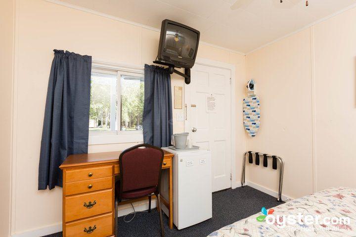 standard-1-queen-bedroom--v14598811-720