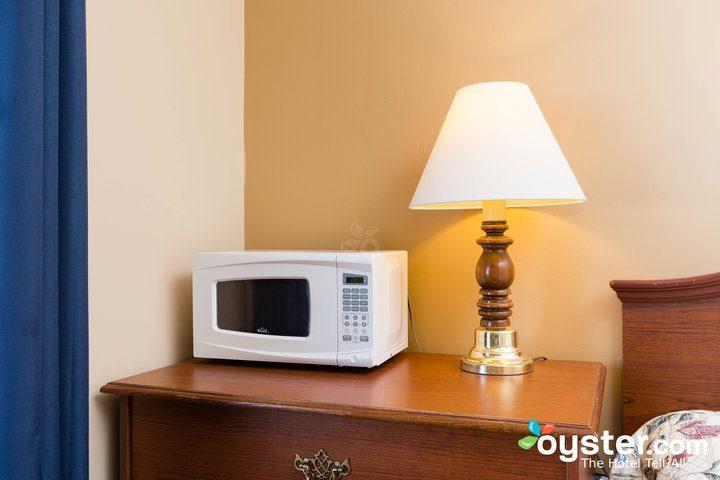 standard-2-queen-beds--v14598692-720
